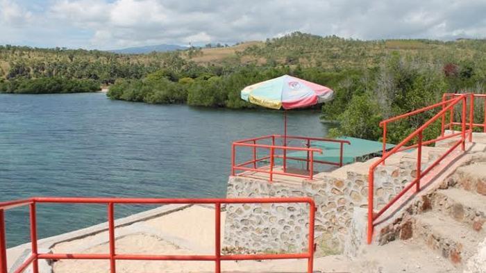 Pantai Waijarang Dekat Bukit Cinta Pesona Bahari Kabupaten Lembata Pasir