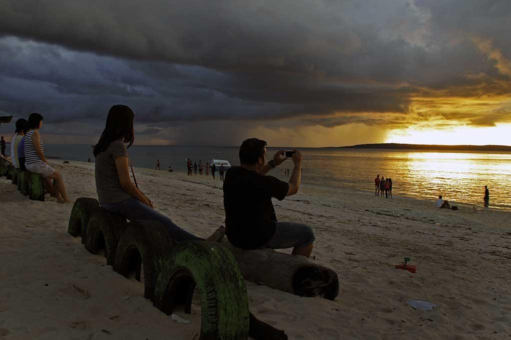 Pesona Wisata Pantai Tablolong Hiburan Metrotvnews Kab Kupang