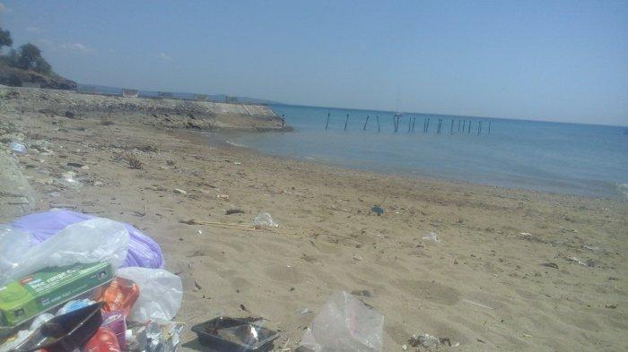 Miris Sampah Bertebaran Pantai Teddys Kupang Ntt Pos Tedis Kab
