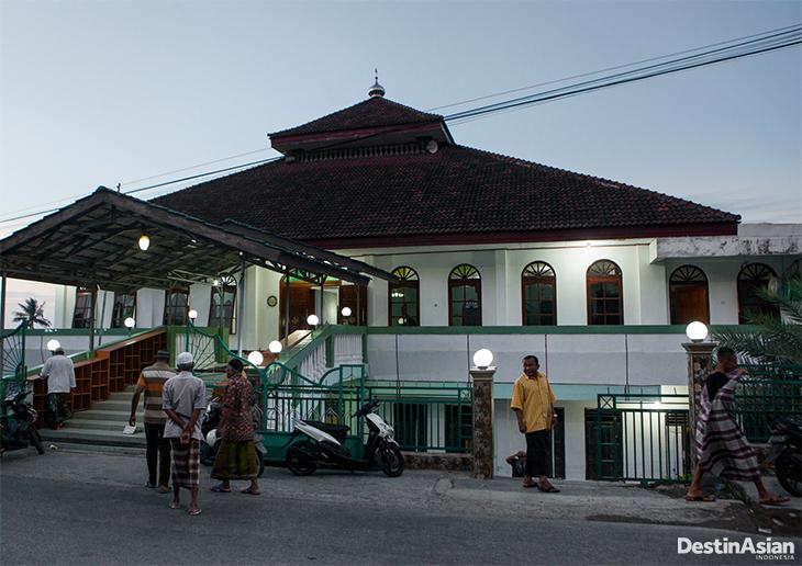 48 Jam Kupang Destinasian Indonesia Masjid Al Baitul Qadim Pertama