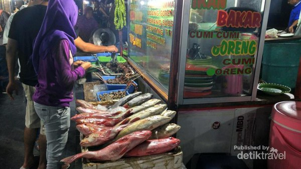 Aneka Kuliner Lezat Pasar Malam Kampung Solor Kupang Ikan Segar