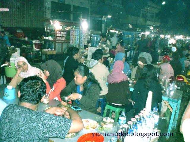 Menikmati Malam Kampung Solor Kupang Ntt Suasana Hari Santapan Berupa