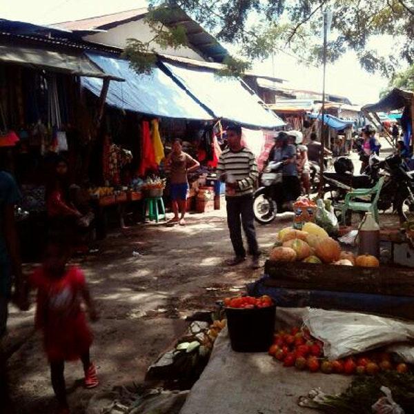 Pasar Oeba Petani Kupang Malam Kampung Solor Kab