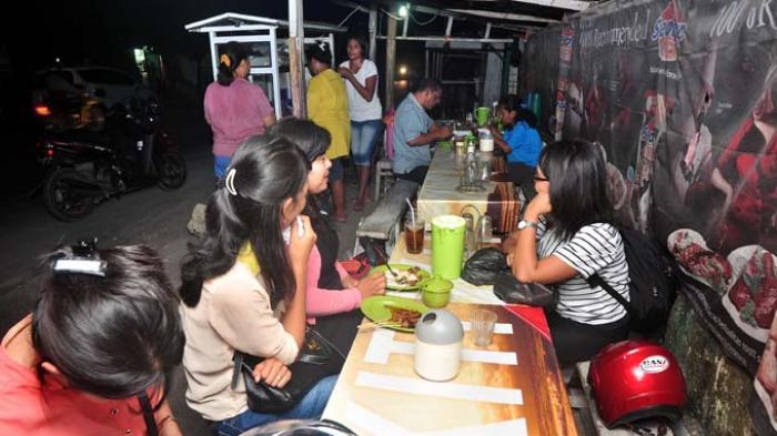 Pelaku Usaha Kuliner Kupang Sulit Mendapatkan Modal Pos Pasar Malam