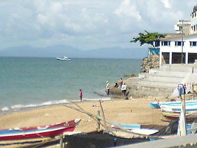 Tempat Wisata Bersama Pantai Tedis Pasar Malam Kampung Solor Tak