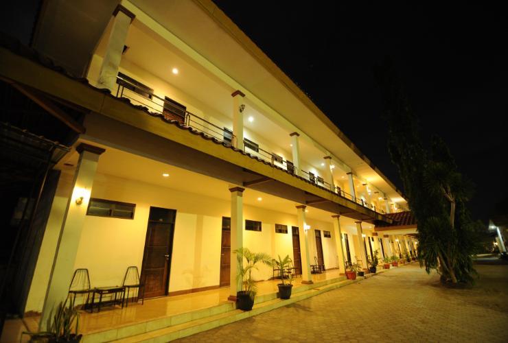 Hotel Royal Kelapa Lima Kupang Traveloka Exterior Building Pura Oebananta