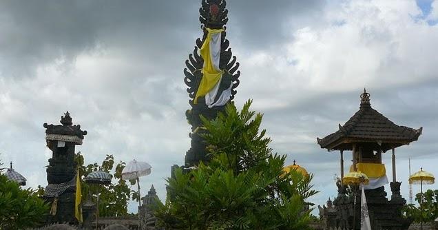 Pura Giri Kerta Bhuwana Kupang Phdi Provinsi Ntt Oebananta Kab