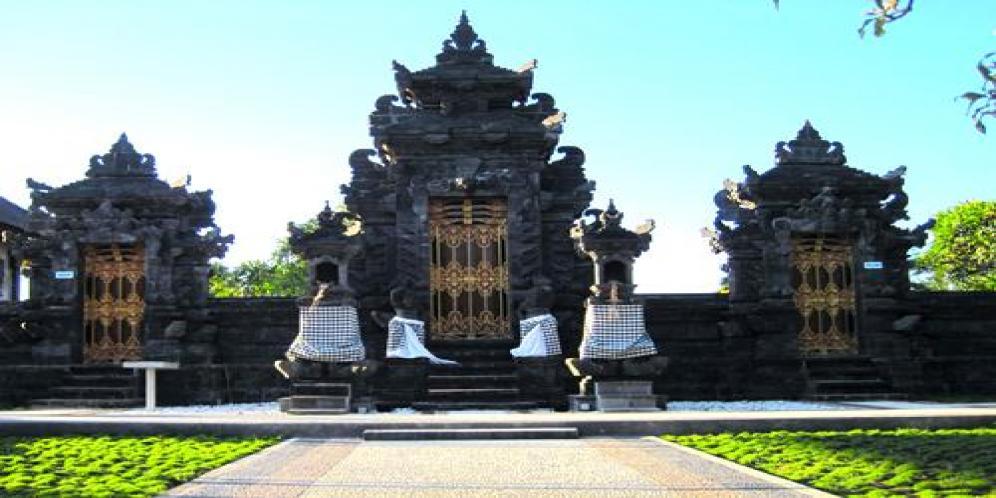 Pura Jagatnatha Oebananta Kupang Padma Bhuwana Nusantara Kab