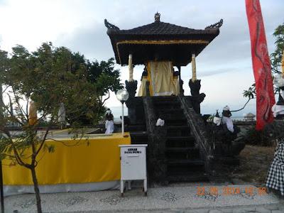 Tempat Wisata Kota Kupang Kabupaten Transportasi Pura Oebanantha Bertemunya Umat