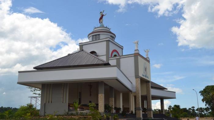 Mobil Khusus Bagi Lansia Berziarah Taman Doa Oebelo Kab Kupang