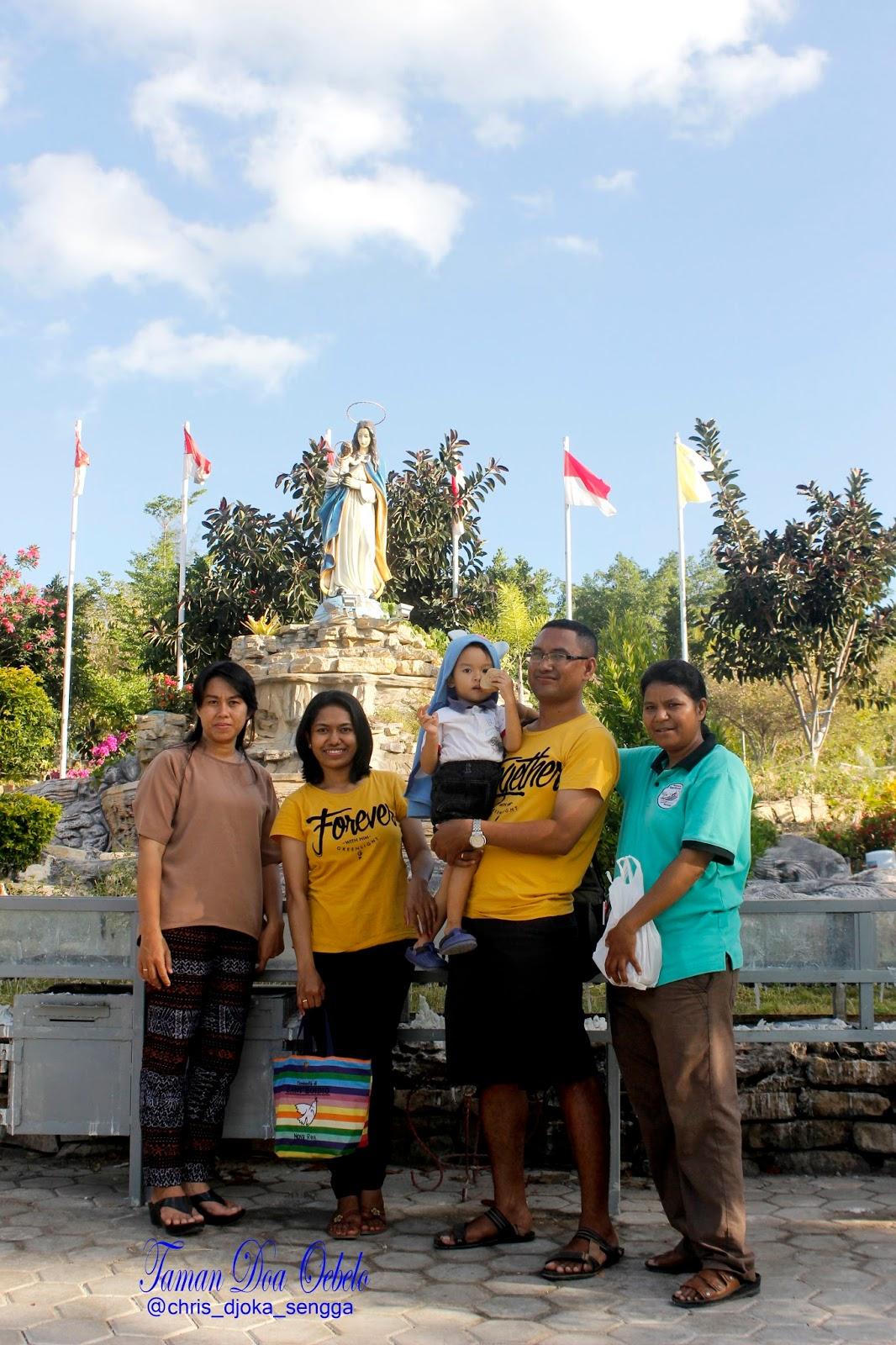 Sunset Kupang Flores Borneo Ine Bersama Keluarga Berkunjung Taman Doa