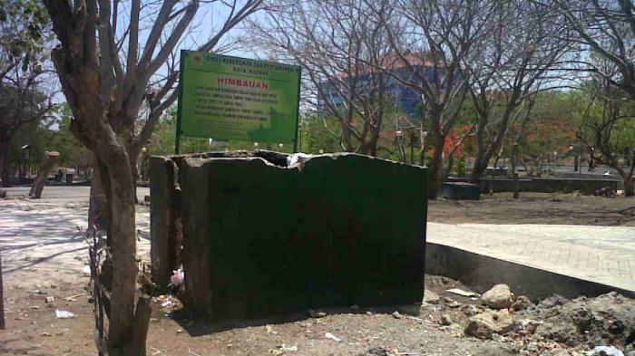 Dinas Kebersihan Kota Kupang Pasang Papan Himbauan Taman Nostalgia Kab