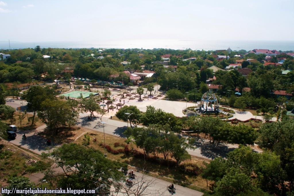 Gong Perdamaian Nusantara Simbol Bangsaku Jelajah View Taman Nostalgia Diambil