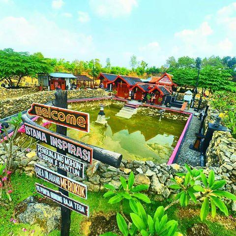 Pariwisata Tugu Mantup Lamongan Jawa Timur Gunung Emas 27 Terletak
