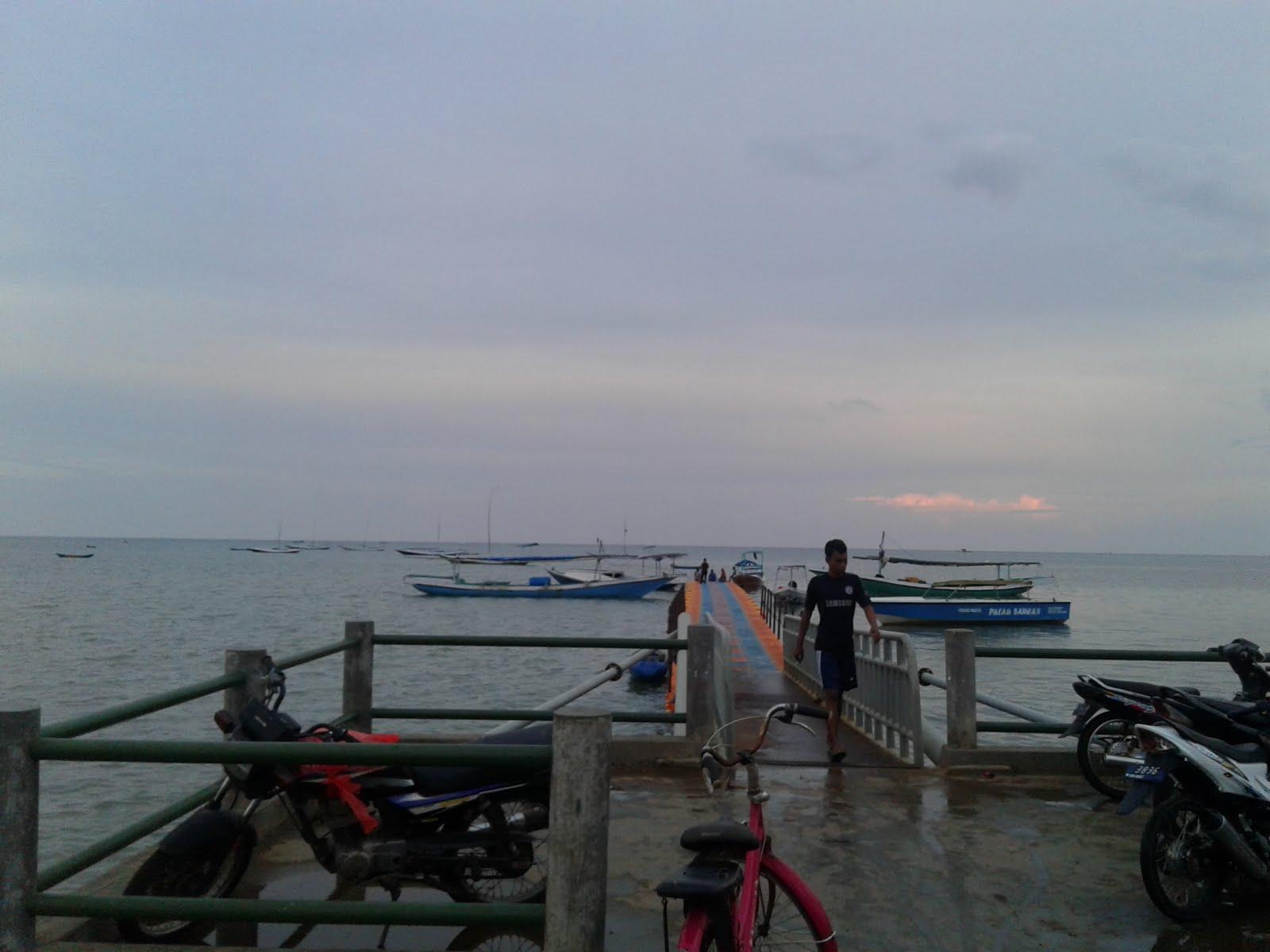 Riri Blog 2016 Dermaga Perahu Menuju Pulau Gili Noko Istana