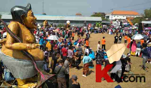 3 000 Peserta Ramaikan Karnaval Patung Ogoh Kanalindonesia Lamongan Sekitar