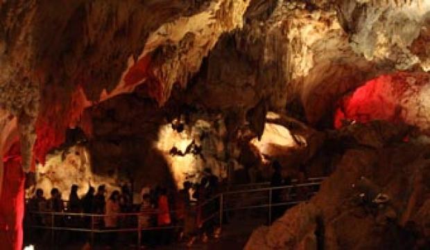Maharani Zoo Menikmati Satwa Goa Sekaligus Travel Tempo Sejumlah Wisatawan