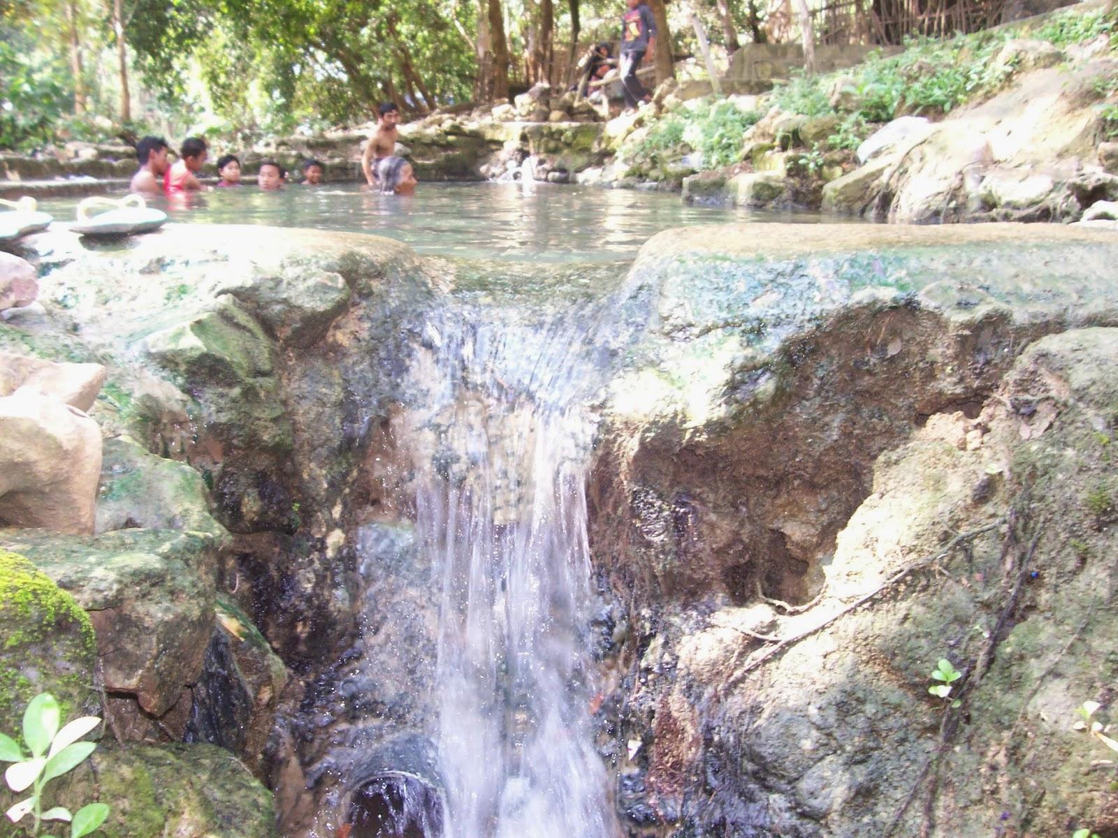 Destinasi Wisata Lamongan Berita Pemandian Air Panas Makam Dewi Serdadu