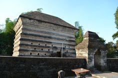 Makam Islam Sendang Duwur Candi Lamongan Jelajah Kuno Siti Fatimah