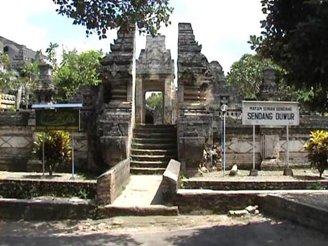 Tempat Wisata Lamongan Rumah Makam Sunan Sendang Duwur Religi Jawa
