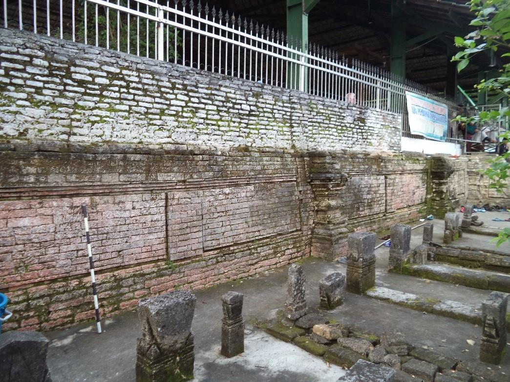 Sistem Registrasi Nasional Cagar Budaya Dinding Pagar Teras Vi Makam