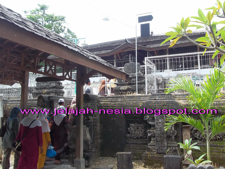 Wisata Religi Makam Sunan Drajat Lamongan Oleh Heri Agung Sedangkan