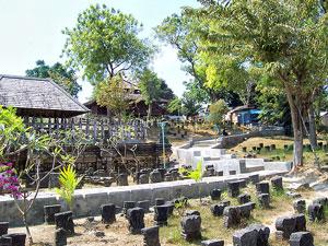 Ziarah Makam Sunan Drajad Salah Satu Tokoh Wali Songo Drajat