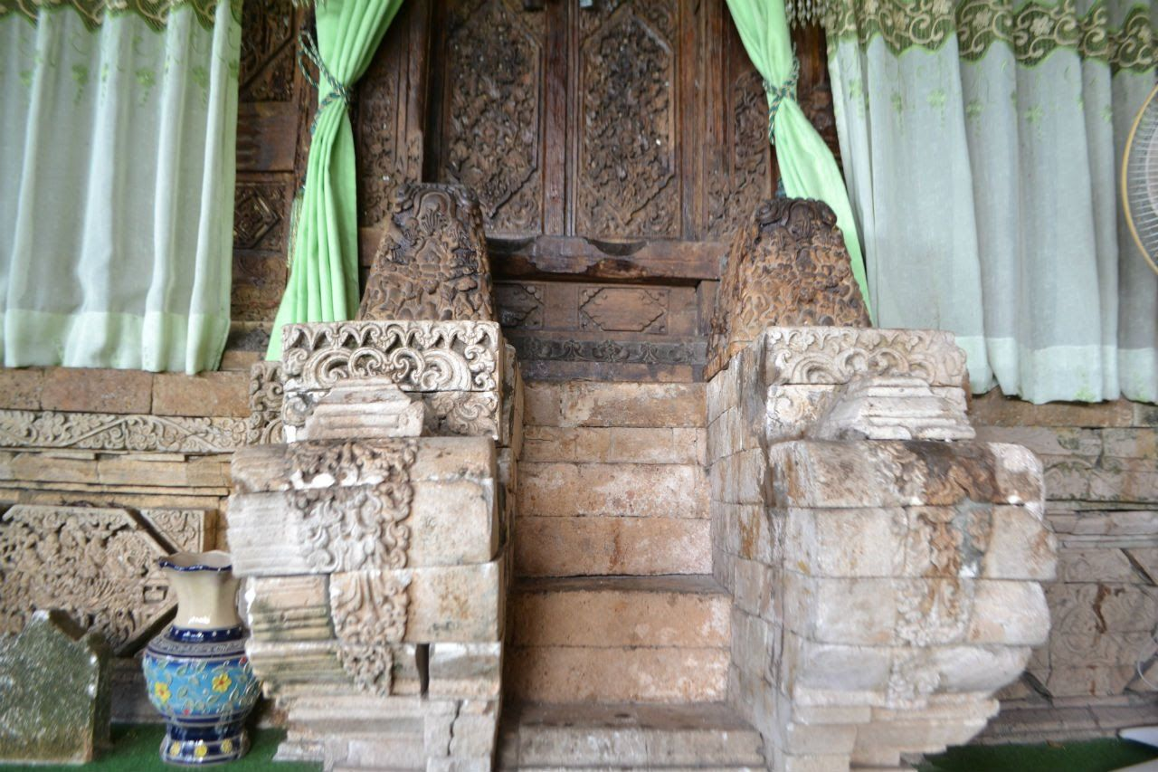 Makam Sunan Mruwut Tuban Jelajah Nesia Journey Youtube Pinterest Indonesia