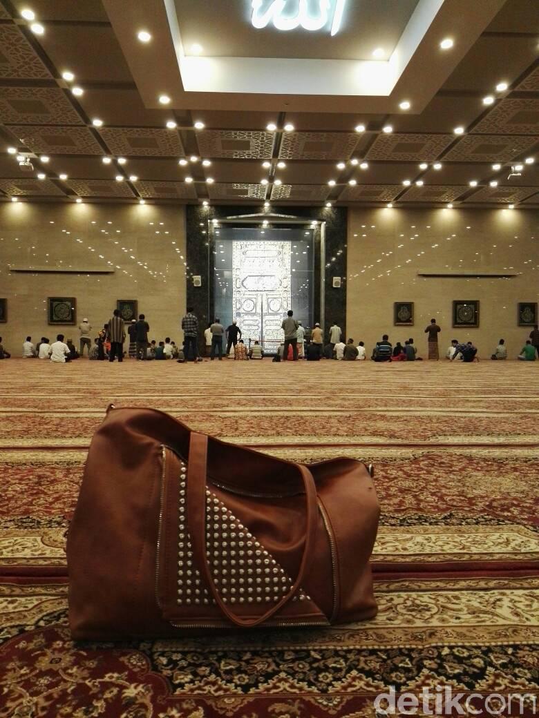 Lamongan Masjid Bernuansa Masjidil Haram Agung Kab