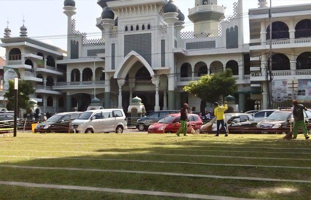 Masjid Agung Jami Penuh Alun Siap Menampung Jamaah Shalat Ied