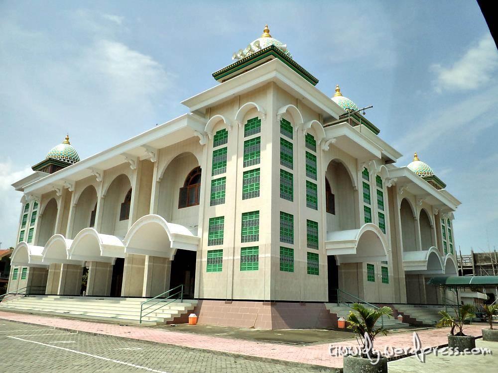 Masjid Maulana Ishaq Al Abror Wee World Paciran Lamongan Agung