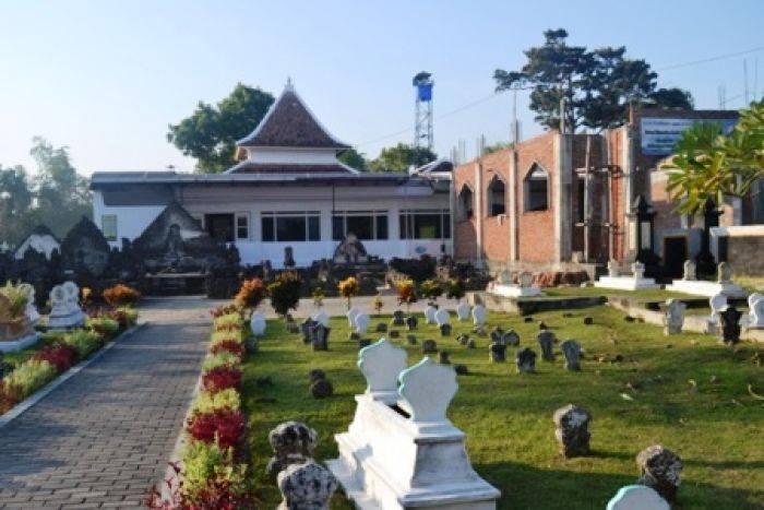 Penggalan Sejarah Tersimpan Masjid Agung Lamongan Bangsa Online Madegan Sampang