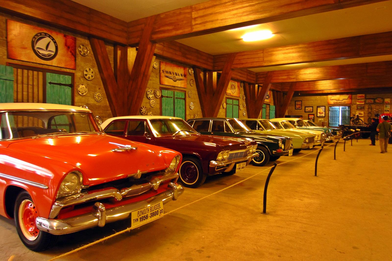 Mengunjungi Lokasi Wisata Sejarah Religi Kabupaten Lamongan Museum Angkut Monumen