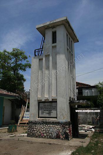 Van Der Wijk Monument Memorized Ship Sank Lamongan Wuck 04