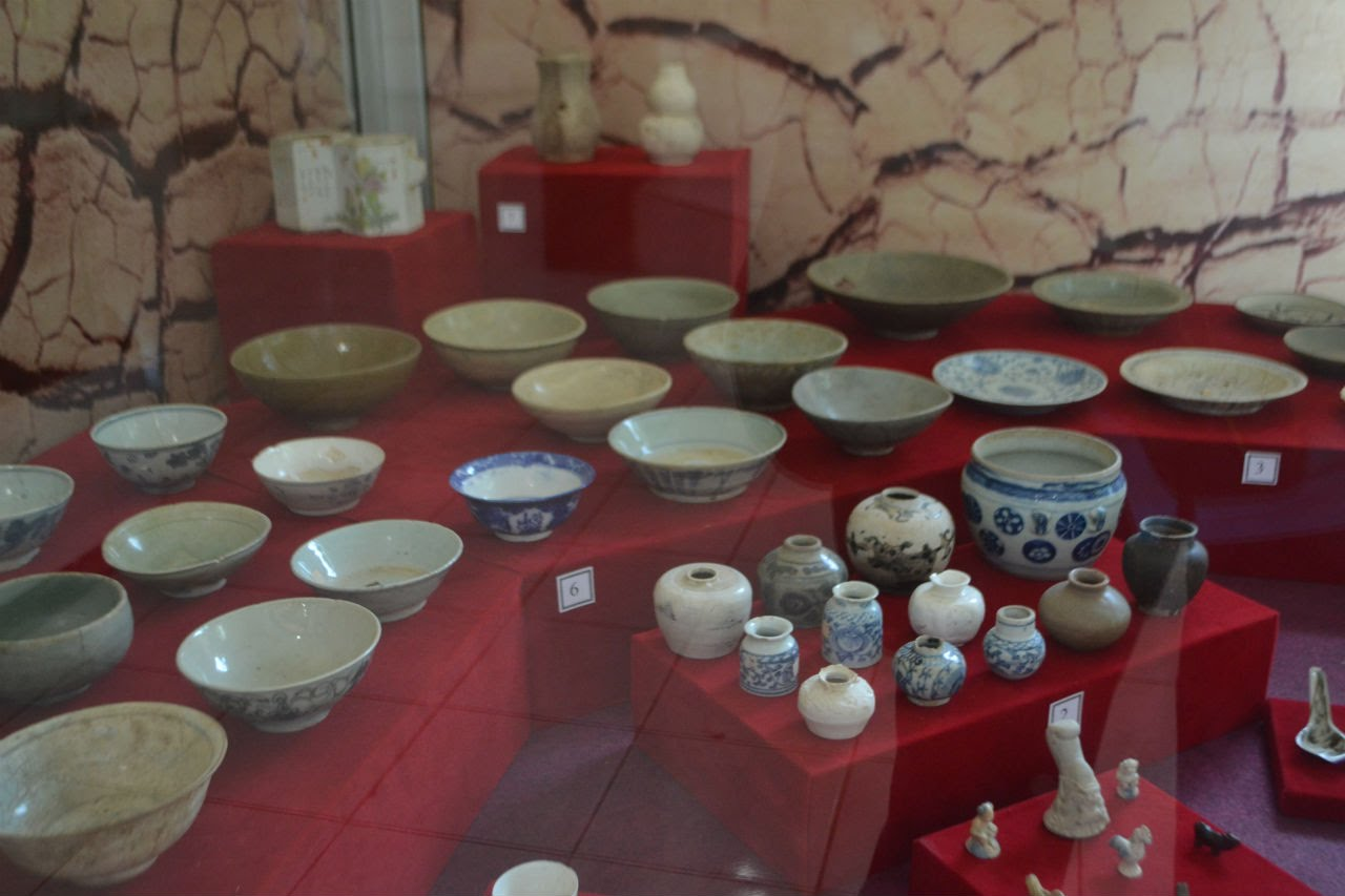 Keramik Kuno Museum Sunan Drajat Youtube Kab Lamongan