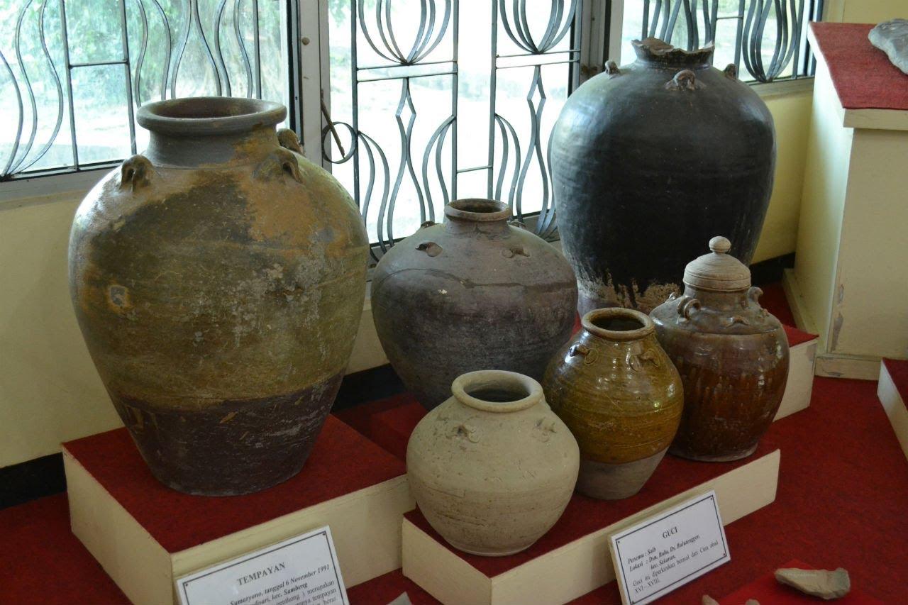 Koleksi Keramik Kuno Museum Sunan Drajat Lamongan Youtube Kab