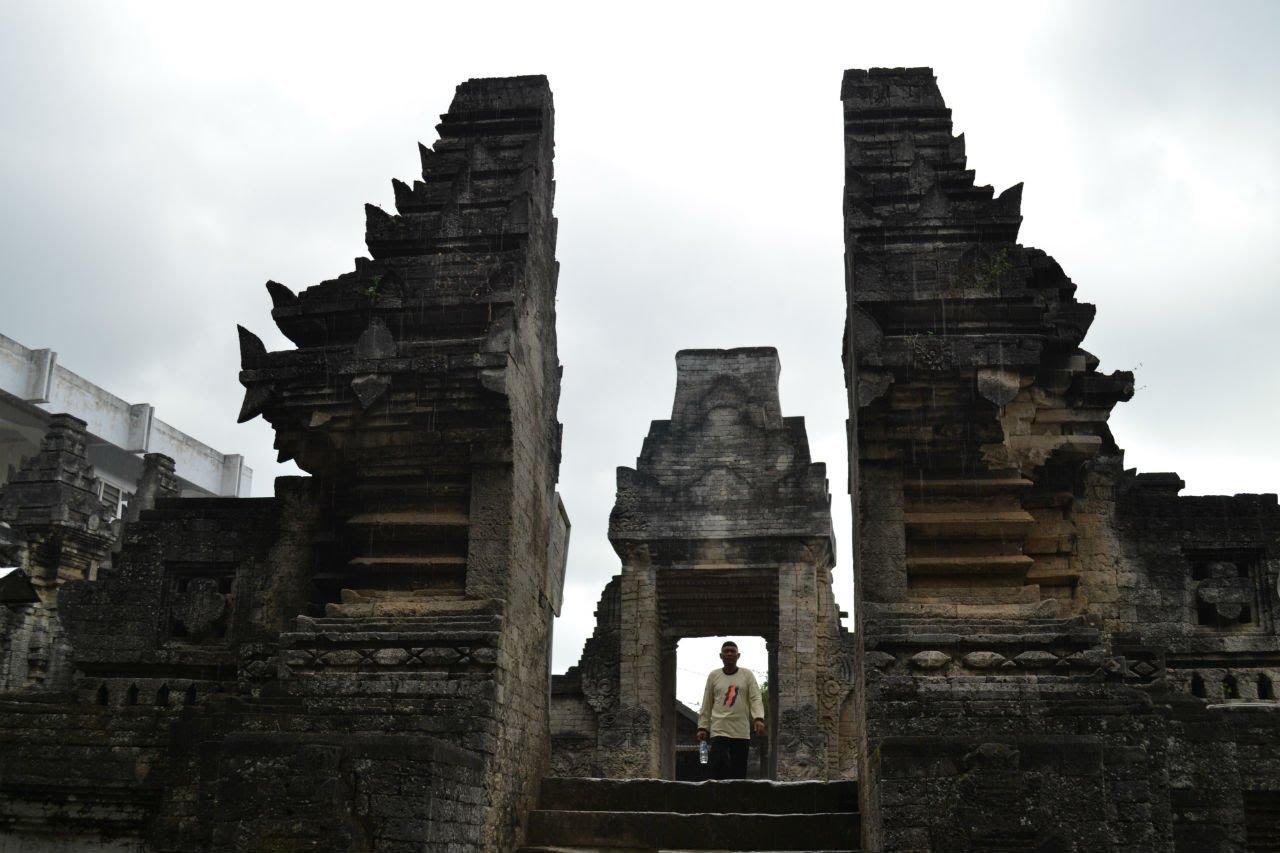 Mengunjungi Lokasi Wisata Sejarah Religi Kabupaten Lamongan Makam Sunan Sendang