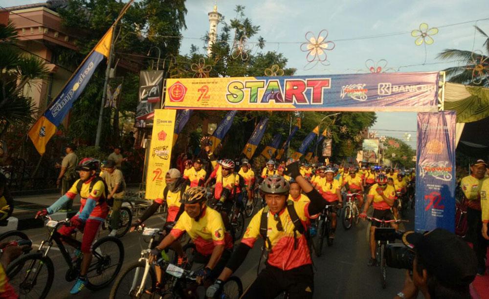 600 Peserta Road Bike 72 Kota Lamongan Meriahkan Hut Tni