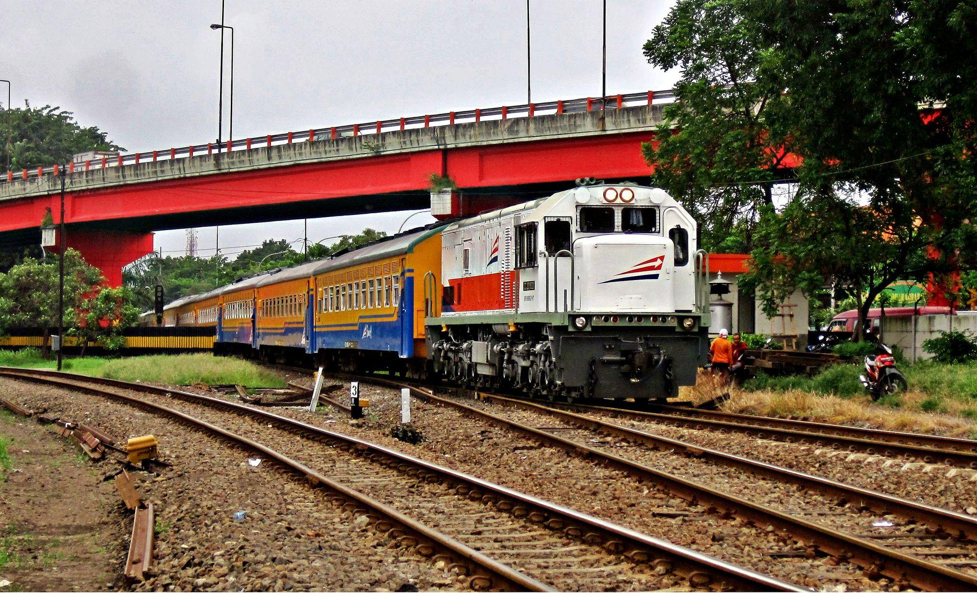 Kereta Api Indonesia Argo Bromo Anggrek Pinterest Locomotive Tugu Mayangkara