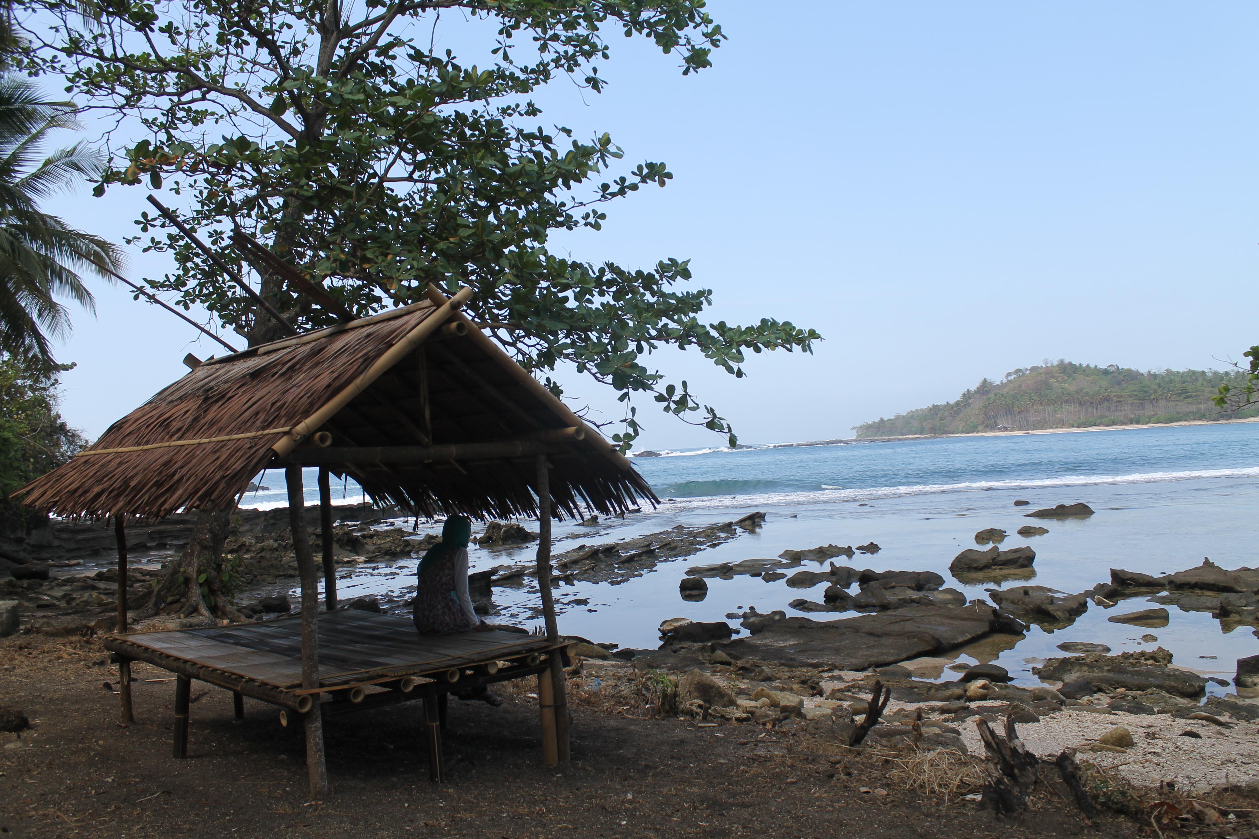 Backpacker Menjamah Pantai Sawarna Dunia Rahmi Karang Taraje Riska Kab