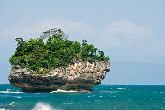 Keindahan Wisata Pantai Karang Bokor Sawarna Lebak Banten Tempat Ramai
