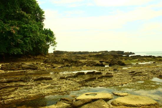 Pantai Karang Taraje Picture Sawarna Beach Bayah Tripadvisor Kab Lebak