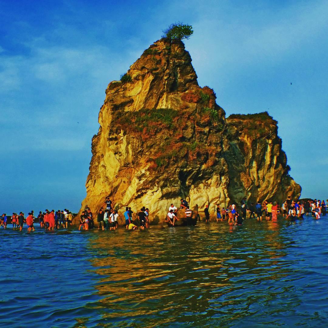 Pantai Sawarna Banten Surga Tersembunyi Ujung Barat Pulau Jawa Lebak