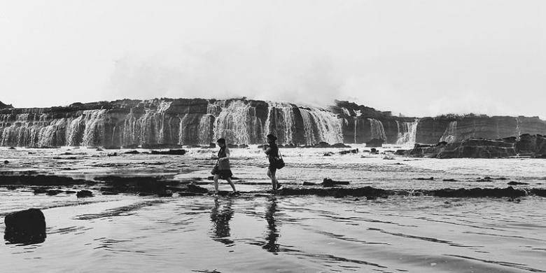 Sawarna Mutiara Terpendam Banten Kompas Pantai Karang Taraje Kab Lebak