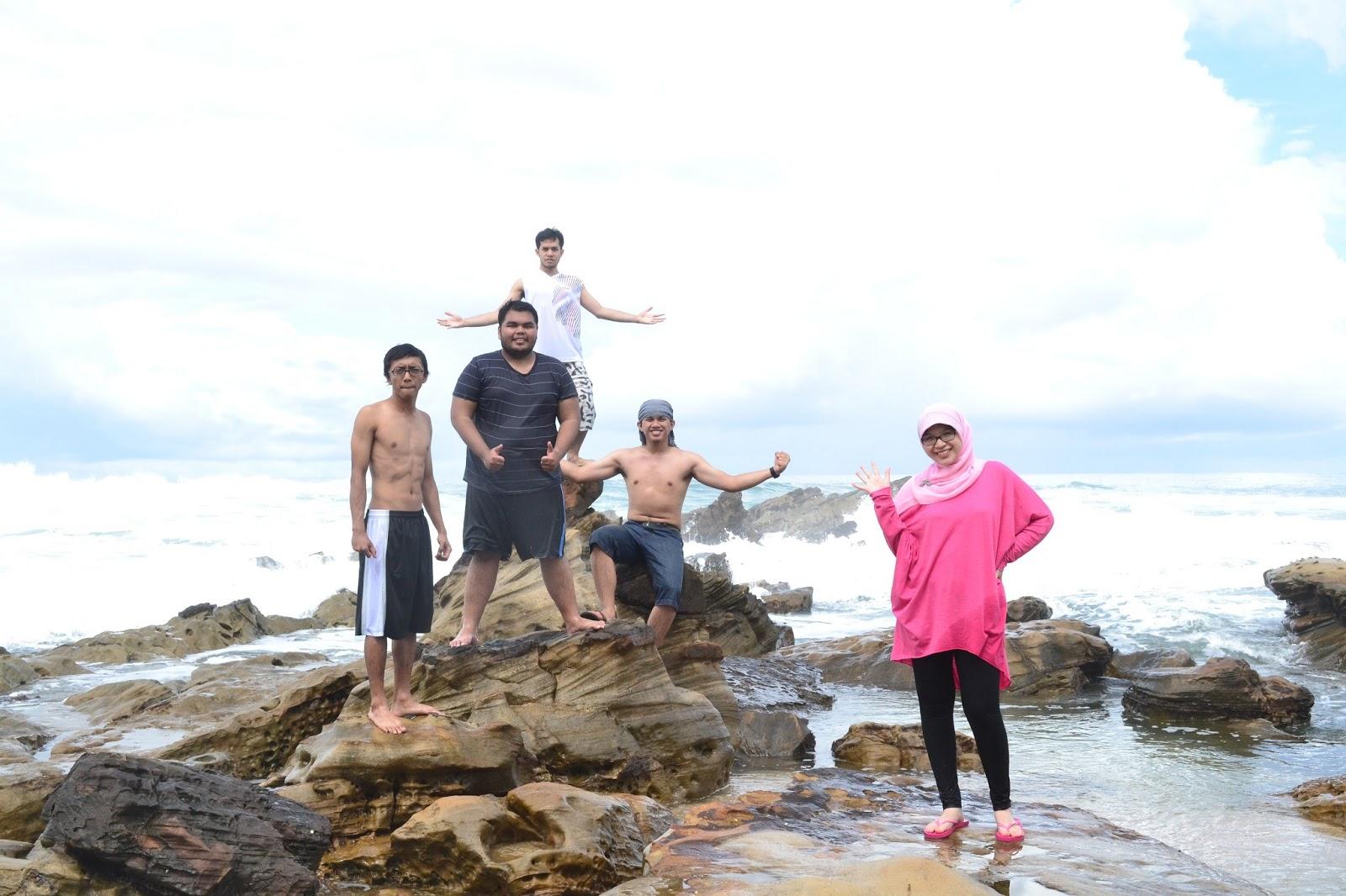 Surga Karang Taraje Backpacker Koprol Wisata Pantai Sebuah Obyek Termasuk