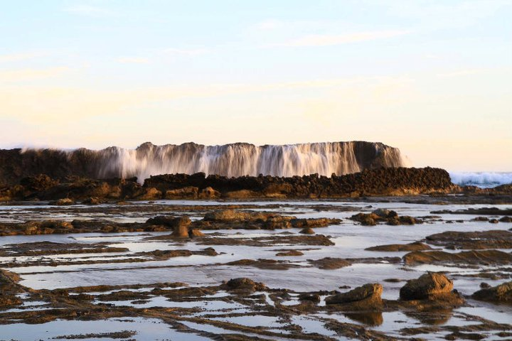 Tempat Wisata Lebak Digunakan Sebagai Perayaan Malam Pantai Karang Taraje
