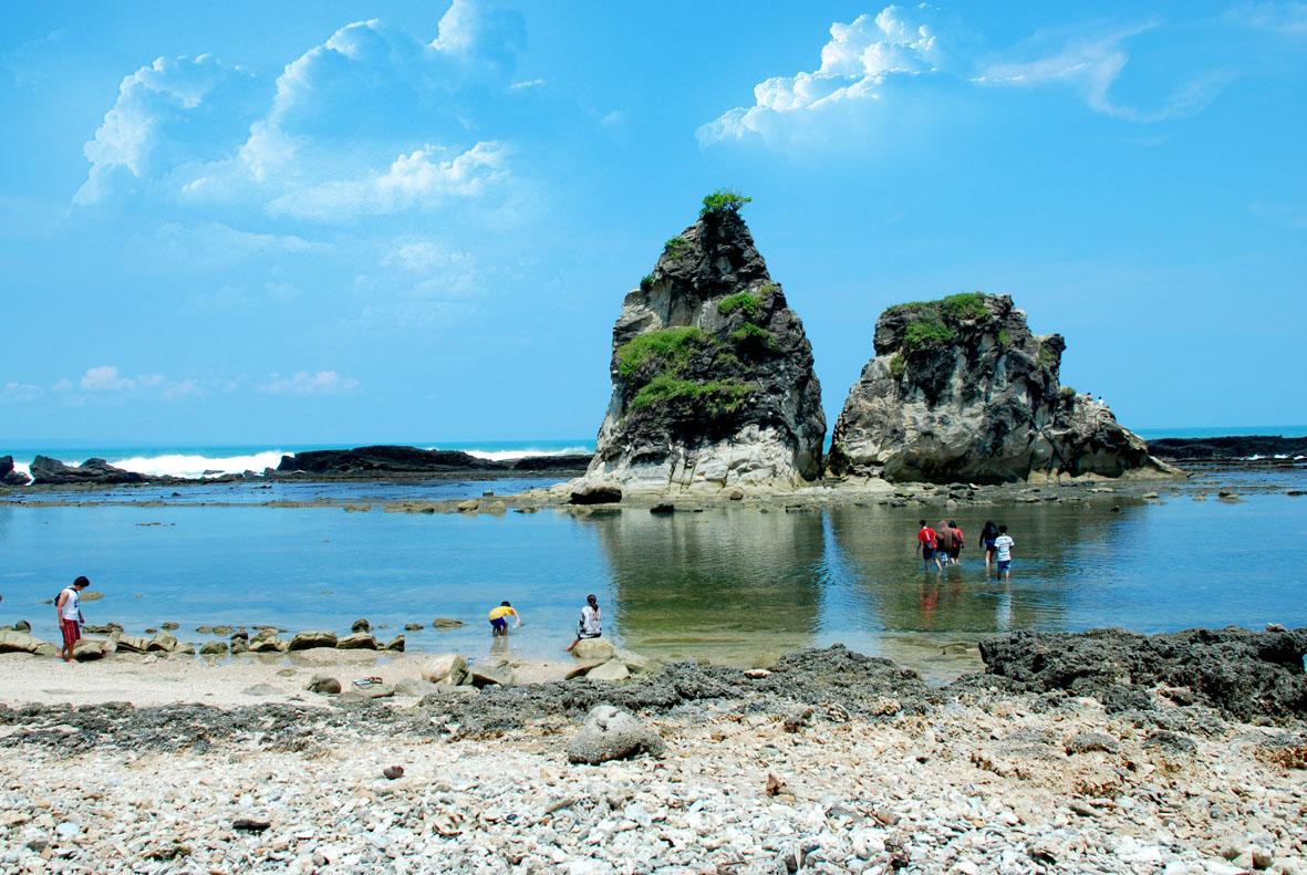 Tempat Wisata Lebak Digunakan Sebagai Perayaan Malam Pantai Sawarna Kawasan