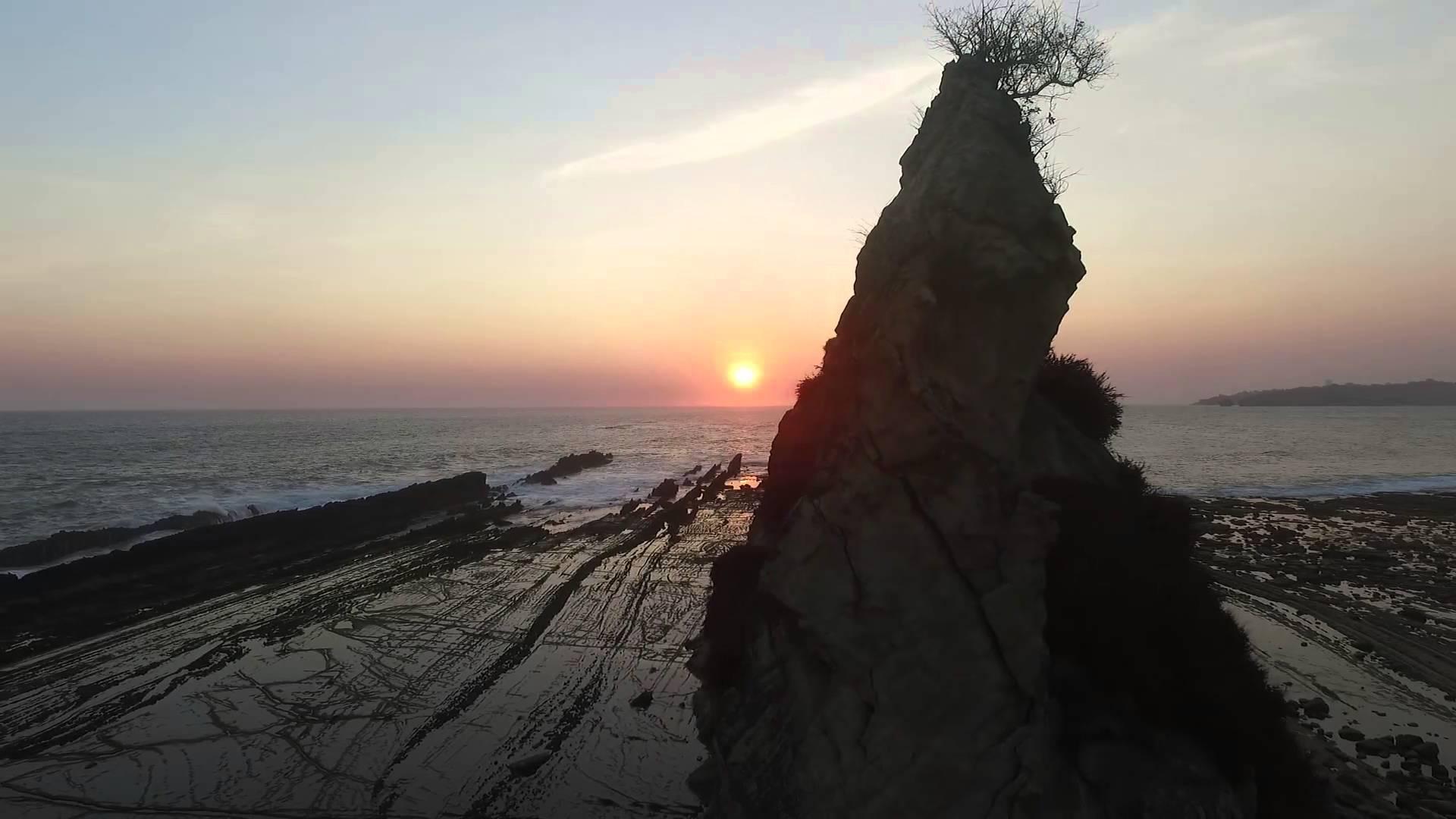 Video Aerial Pantai Sawarna Kec Bayah Kab Lebak Banten Karang