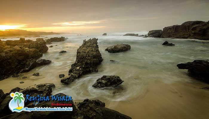 10 Pantai Terindah Banten Membuat Nyaman Reygian Karangsongsong Kab Lebak
