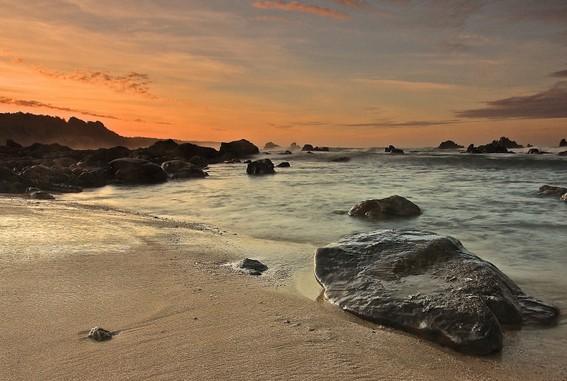 Destinasti Keindahan Wisata Pantai Karang Songsong Cihara Lebak Banten Sarankan